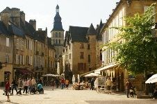 Car rental in Sarlat La Caneda, France
